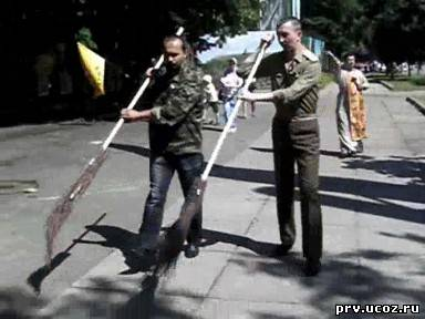 'ГЛАС ПРАВОСЛАВНОГО НАРОДА' - ГАЗЕТА ДЛЯ ПРОСТЫХ ЛЮДЕЙ. ПРОГНАЛИ ПОГАНЫХ МЕТЛОЙ: в Киеве отслужили молебен на месте позорного «гей-парада» (видео)