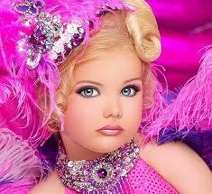 «Топ-модель – не по-детски»: православные Тюмени против детских конкурсов красоты.