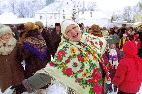 Можно ли православным «просто» попраздновать в ночь с 31-го на 1-е :: Интервью с батюшкой о «новом годе»