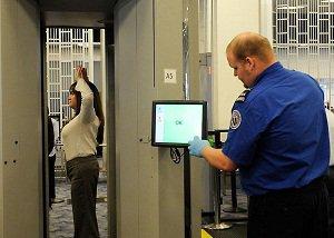 Излучение сканера в десятки раз больше чем УЗИ :: А охранники в аэропортах смеются над голыми пассажирами