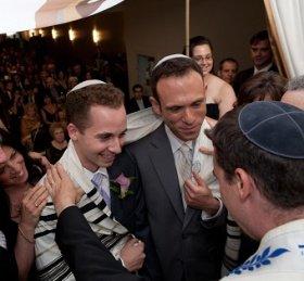 Американские евреи одобряют решение Верховный суд США о легальности содомитских «браков»