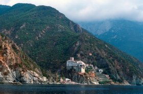 Украинские исследователи обнаружили на горе Афон в Греции старинный казачий скит, основанный запорожскими казаками