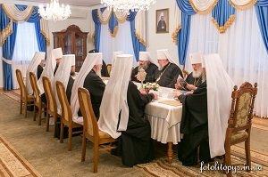 Священный Синод УПЦ: Мы должны решительно противодействовать всем попыткам расшатать страну изнутри