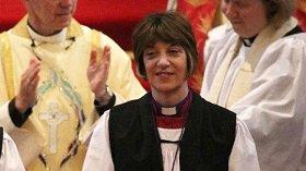 Первая женщина-«епископ» Англии призвала не говорить о Боге в мужском роде