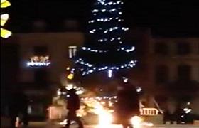 Акт вандализма над новогодней елкой в Бельгии