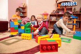 Дети рассказали об издевательствах в детском саду : Мальчиков за провинности наряжали в платья...