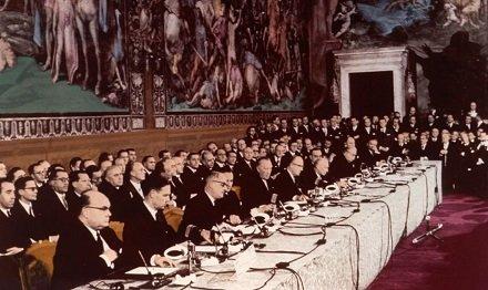 ЮБИЛЕЙНЫЕ ТОРЖЕСТВА В РИМЕ: Континентальная Европа действительно превратилась в полуколонию Америки