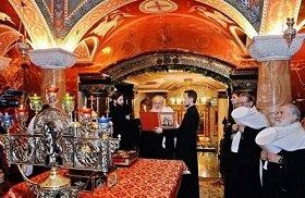 Мы должны вознести Царской Семье особые молитвы: Патриарх Кирилл в Екатеринбурге обратился к пастве