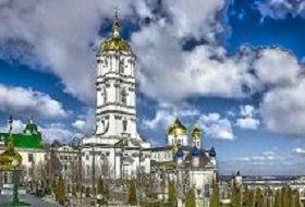Двери Почаевской Лавры открыты для всех желающих помолиться: Минюст Украины отменил незаконное решение