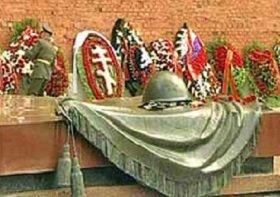 «Приими с миром души раб Твоих»: 9 мая по всем храмам Русской Церкви совершается поминовение усопших воинов