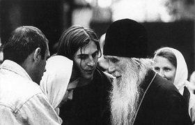 Каждый должен быть готов к исповедничеству: Беседа с чадом старца Кирилла (Павлова) игуменом Силуаном (Филипповым)